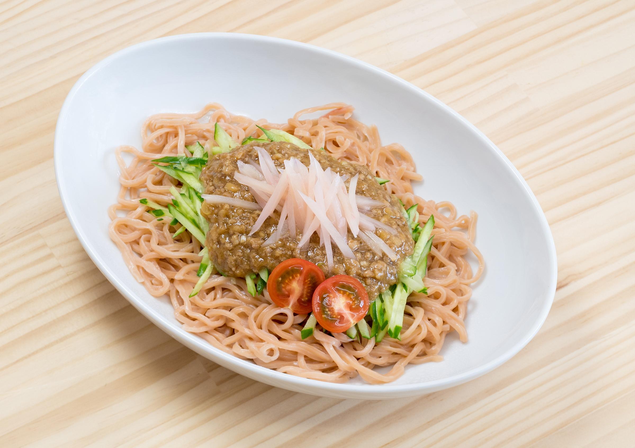 画像:SAKANAMON・藤森元生プロデュース「ニュージンジャージャー麺」