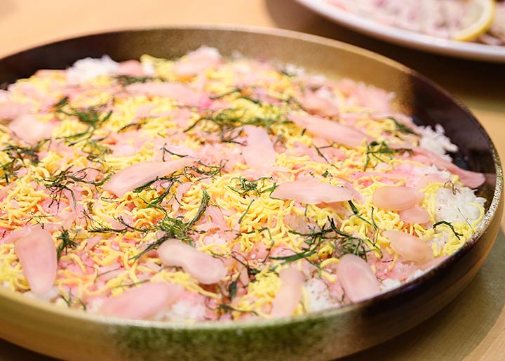 画像:岩下の新生姜鯖ご飯