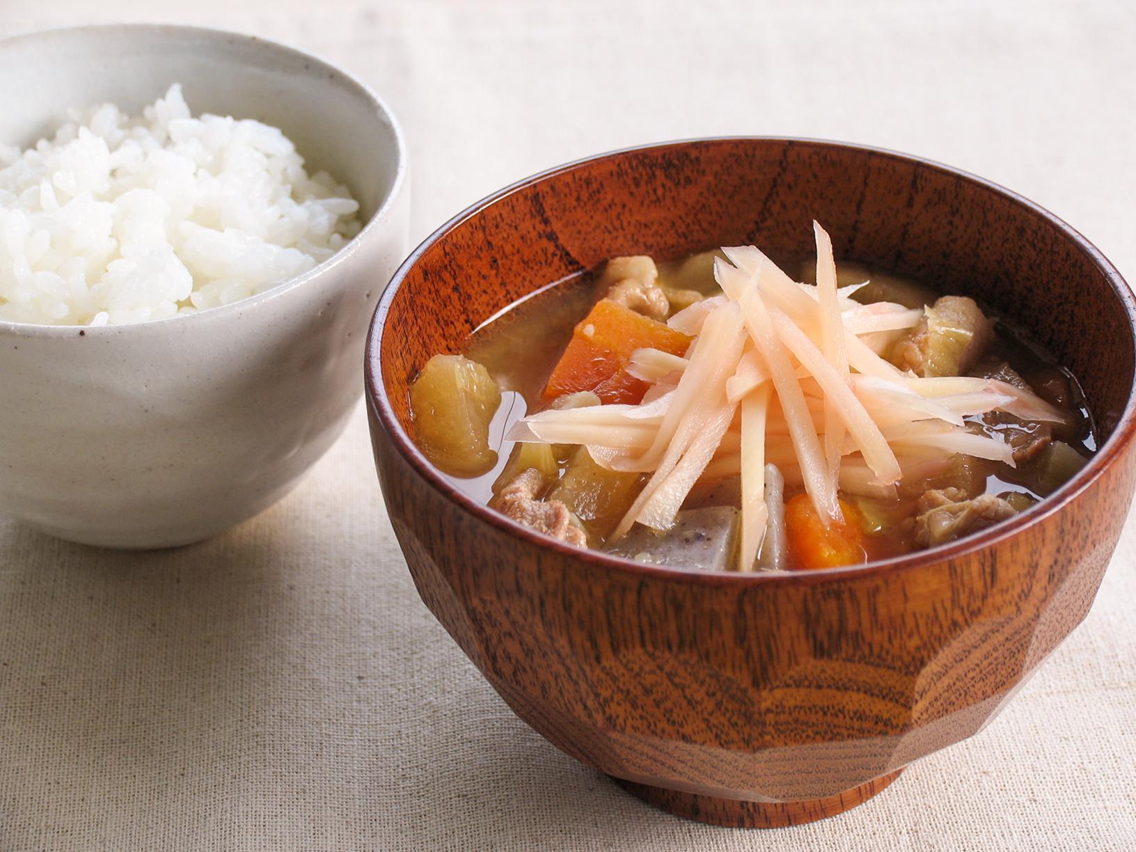 とん汁に「岩下の新生姜」(調理例)