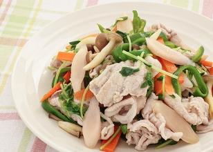 画像:漬け液で味が決まる!豚肉と野菜の岩下の新生姜炒め