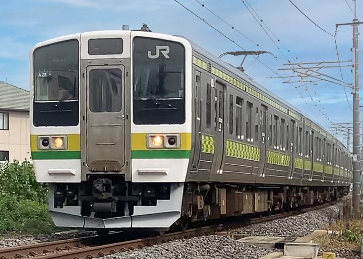 画像:JR両毛線・矢絣柄デザイン列車